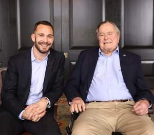 Medical student Evan Sisley and President George H.W. Bush. (Photo/Courtesy of Evan Sisley)