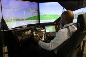 Simulation driver training trains LEOs in tactics and strategies to keep officers and innocent bystanders safe. (image/FAAC)