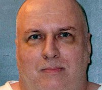 'Texas 7' prison-break gang member gets execution reprieve