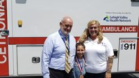 Pa. girl, 9, earns hero award for saving her friends after car crash