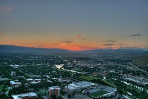 The sun sets over Missoula, Montana. Image: Prizrak 2084/Wikimedia Commons