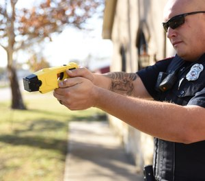 We must possess communication practices, techniques and tactics to develop situations in our favor, especially during critical incidents that don't allow officers the time to make corrections.(Photo/PoliceOne)