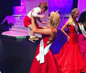 Page Glass celebrates Ms. Tennessee victory with her son Sawyer