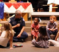 Fla. church gives thanks to first responders