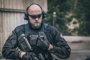 The NoizeBarrier Range SA with optional downlead that plugs into a shoulder mic, allowing officers to receive commands.