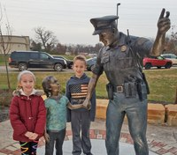 Ohio artist's life-sized sculptures of first responders on display in Kentucky