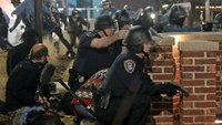 2 cops expected to recover after Ferguson shooting
