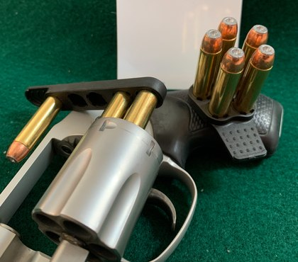 Maintaining a low profile: Undercover and everyday carry products at SHOT Show 2020