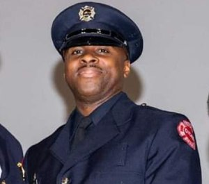 Firefighter Timothy Eiland was leaving a birthday partyfor his nephewwhen he was shot in the face,WGN reported.