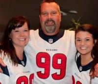 Paramedic tailgating at NFL game helps save man's life