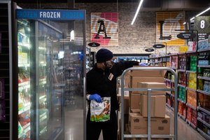 Futures for Frontliners isn't limited to those in medical fields; it also covers people who worked in places such as manufacturing, nursing homes, grocery stores, sanitation, delivery, retail and more. Image: Junfu Han/Detroit Free Press via TNS