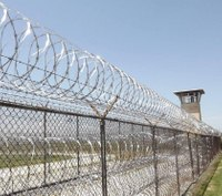 3 corrections officers assaulted by inmates at Mo. prison
