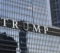 Man who dangled from Chicago's Trump Tower jumped out of ambulance, police say