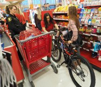 Calif. deputies, COs take kids on holiday shopping spree