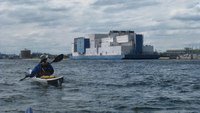 NYC COs suffer broken bones in assault by detainees on Bronx jail barge
