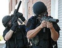 Solving the shooter's dilemma: Effective optics both near and far