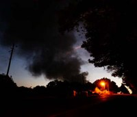 1 dead, 5 severely burned after Ala. pipeline explosion