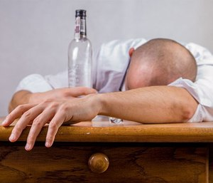 Chronic alcohol abusers are at triple risk of developing Wernicke's encephalopathy (photo pixaby)
