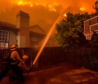 Report: Calif. fire officials broke protocol in delayed wildfire response
