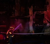 2 hospitalized, including 1 firefighter, after Colo. apartment fire
