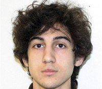 Boston bomber cries, wipes eyes as aunt takes stand