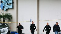 Parolee held in triple killing at California bowling alley