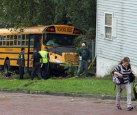 Ohio woman dies saving girl from rolling bus