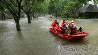 Amid Harvey floods, Houston police chief worries 'how many bodies?'