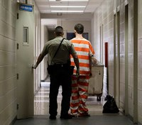 Thefts rise after Calif. reduces criminal penalties