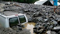 Thousands stranded, 1 dead from Calif. thunderstorms