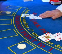 16 to a dealer's 10: Could blackjack odds help inform police pursuit policies?