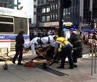 1 dead, 8 injured in Chicago bus crash
