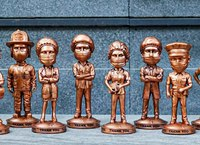 Essential worker bobbleheads thank first responders, healthcare workers and more