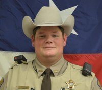 Texas deputy shot in head during standoff