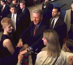 President Clinton greets members of the military community at Elmendorf Air Force Base in Alaska, Wednesday, June 24, 1998, enroute to Xian, China. (AP Photo/J. Scott Applewhite)