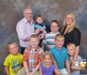 Capt. Peter Hacking and his family. (Photo courtesy CBS DFW)