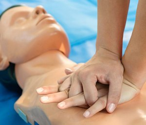 The English government will soon require all students to learn CPR under a new curriculum. (Photo/AHA)