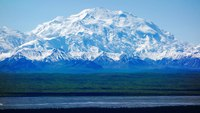 Climber in critical condition after falling nearly 1K feet down Alaskan mountain
