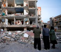Powerful earthquake on Iran-Iraq border kills 445