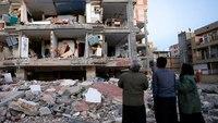 Powerful earthquake on Iran-Iraq border kills 445
