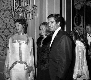 In this April 14, 1969 file photo, Ingrid Bergman, her daughter Pia, and Hugh O'Brian arrive at the Beverly Hilton for dinner in Beverly Hills, Calif. O'Brian, the actor who played Wyatt Earp on the '50s television series