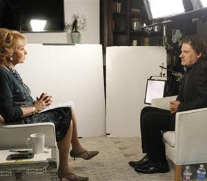 This June 22, 2014 photo provided by ABC shows Barbara Walters, left, during an interview in Los Angeles with Peter Rodger, the father of Elliot Rodger, the 22 year old who killed six people, injured 13, before taking his own life near the campus of the University of California, on May 23, in Santa Barbara, Calif. (AP Image)