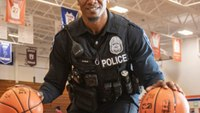From pro basketball to policing, Seattle officer continues to make a difference