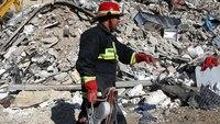 Rescuers search debris after Iran-Iraq quake kills over 530