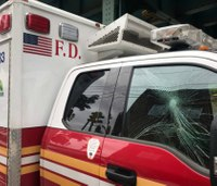 Man arrested for smashing windows, vandalizing FDNY ambulances