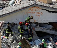 Aftershocks rattle Italian quake zone; death toll rises to 241