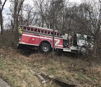 2 Ky. firefighters hurt in fire engine crash