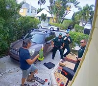 Video: Fla. deputies respond to parrot's cries for help