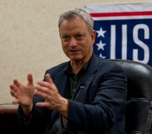 Gary Sinise explains why he started the Gary Sinise Foundation during a meeting with military and local media at Little Rock Air Force Base, Ark., April 29, 2016. (Photo/Master Sgt. Jeff Watson, U.S. Air Force)