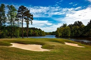 Golf course as a vacation destination (Photo/Pixabay)